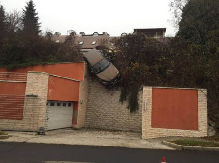 The Road Is A Perfect Place For Terrible Things To Happen (43 pics)