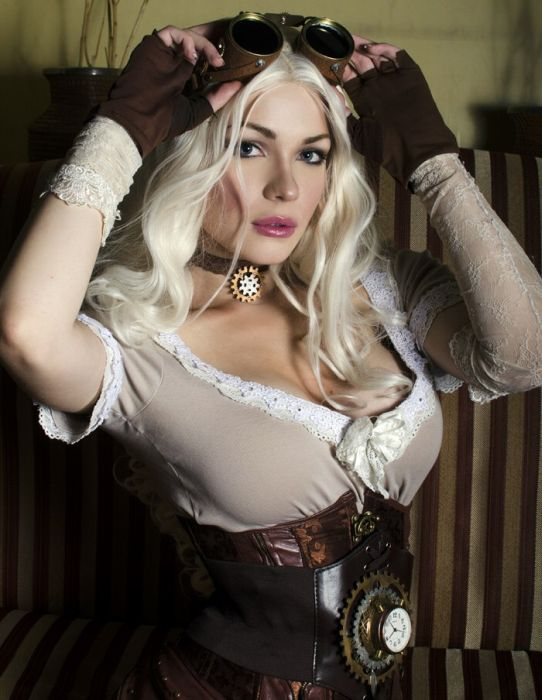 Captain Irachka Commands Attention With Her Awesome Cosplays (21 pics)