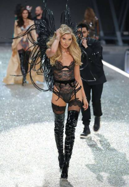 Feast Your Eyes On The Gorgeous Models From The Victoria's Secret Fashion Show (60 pics)