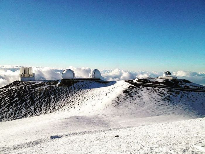 Parts Of Hawaii Are Covered In Snow (10 pics)