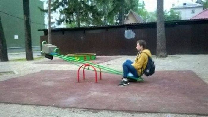 The Painfully Awkward Reality Of Being Forever Alone (28 pics)