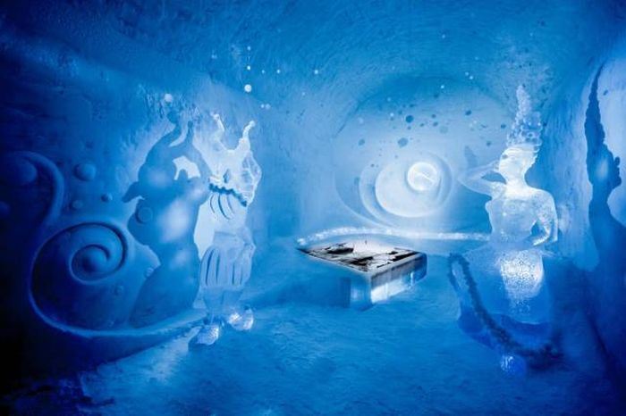 This Ice Hotel Doesn't Melt In The Summer (13 pics)