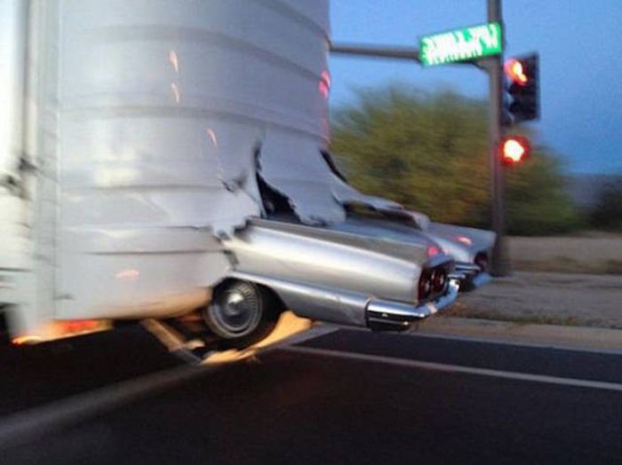 Sometimes When Bad Things Happen You Can't Run Or Hide (40 pics)