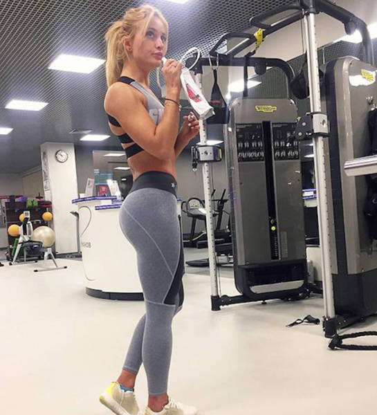 Yoga Pants Are A Sexy And Magical Creation 56 Pics-5127
