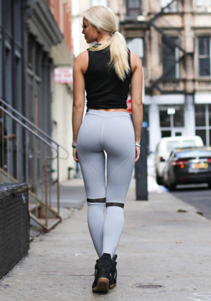 Yoga Pants Are A Sexy And Magical Creation (56 pics)