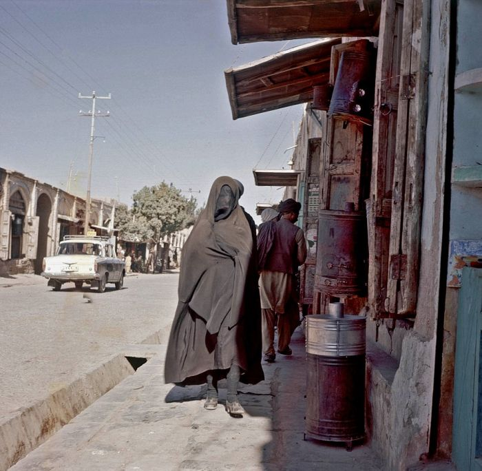 A Look At Life In Afghanistan Back In The Day (37 pics)