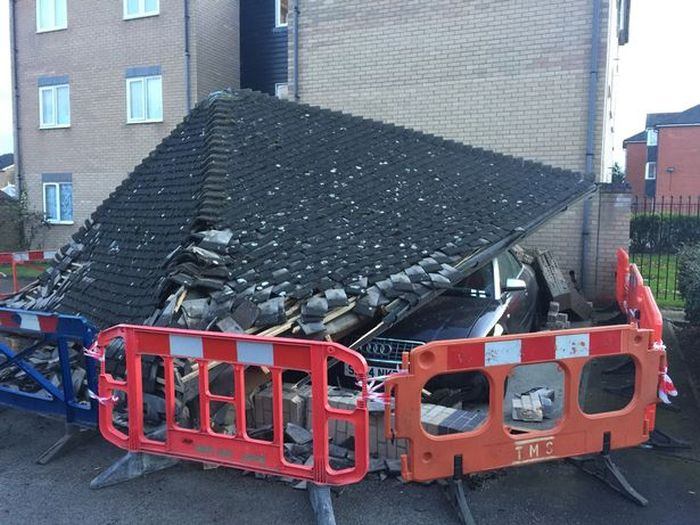 Binmen Destroy Man's Audi After Making A Careless Mistake (4 pics)
