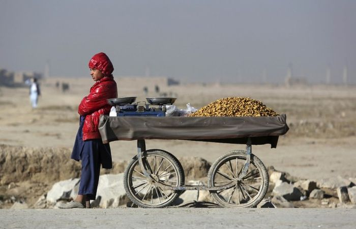 A Look At The Life And Times Of People In Afghanistan (25 pics)