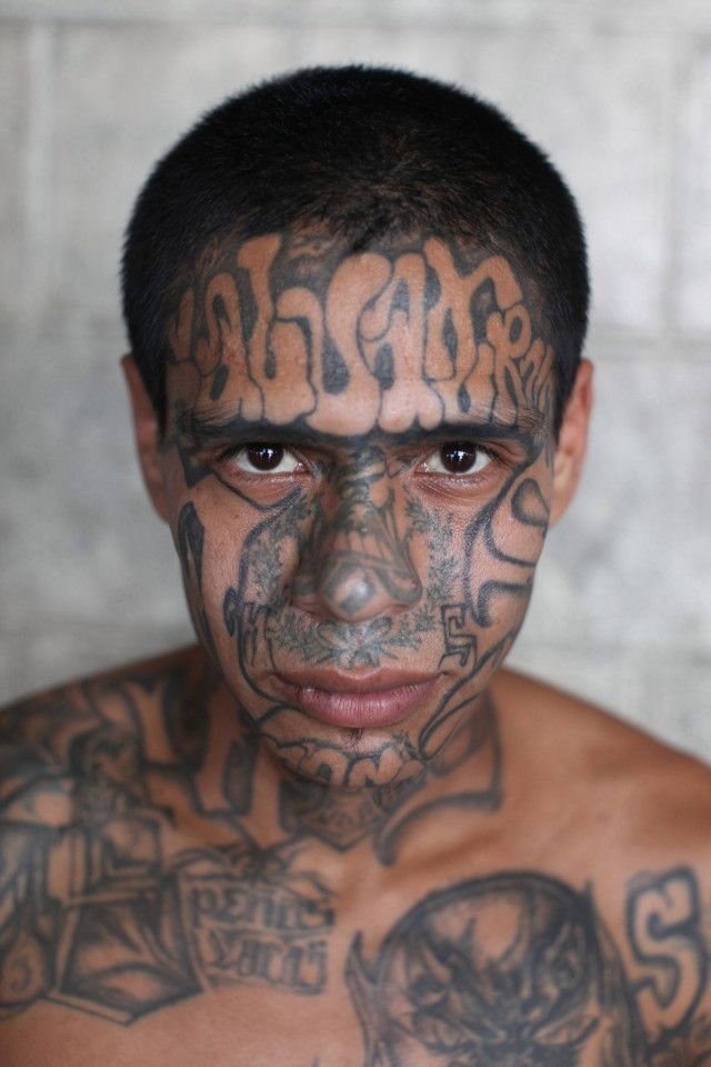 Candid Photos Show Members Of El Salvador's Brutal MS-13 Gang In Jail (9 pics)