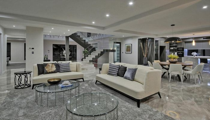 This Might Just Be The Flashiest Bachelor Pad Ever (4 pics)