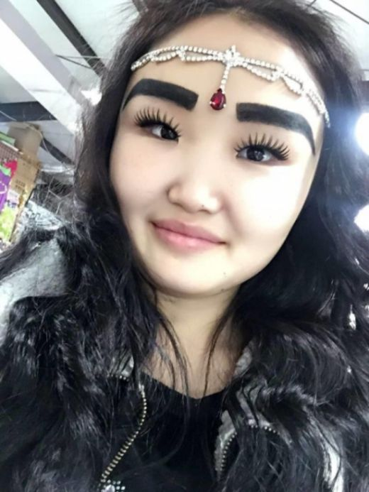 Yakutia Girl Goes Viral (5 pics)