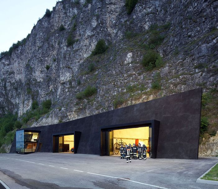 The Most Beautiful Fire Station In All Of Italy (7 pics)