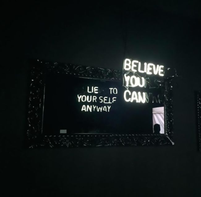 Interesting Mirror Reflections With Dual Messages (5 pics)