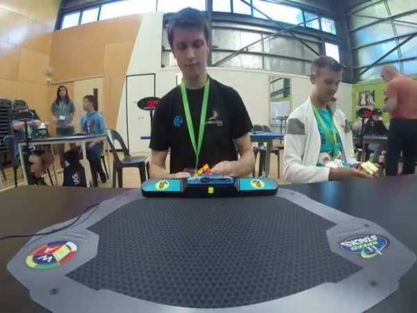 Rubiks Cube World Record 473 Seconds