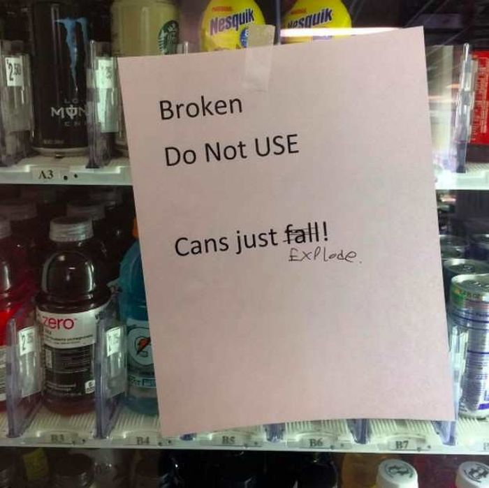 20 Vending Machine Malfunctions That Ruined Someone's Day (20 pics)