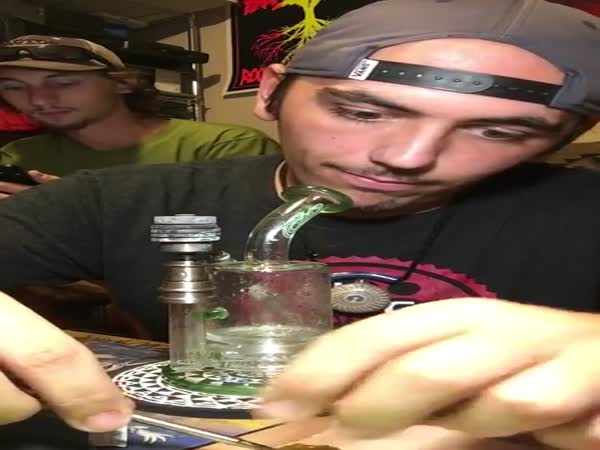 Guy Smokes A 27 Gram Dab By Himself