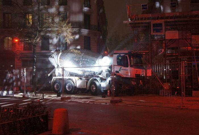 Artist Turns Cement Mixer Into Epic Giant Disco Ball (6 pics)