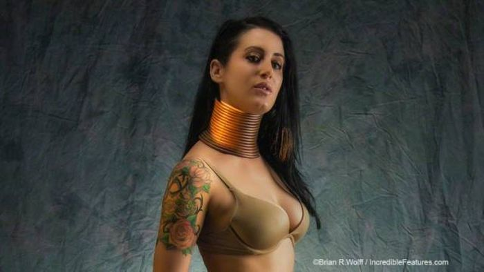 Woman Finally Removes Bronze Rings From Her Neck (25 pics)