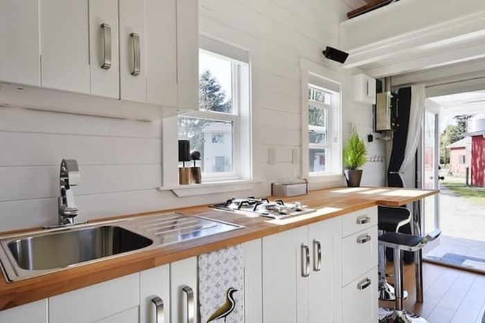 This Tiny House On Wheels Is Perfect (8 pics)