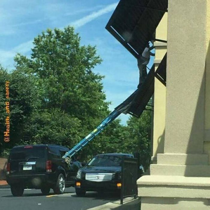 Darwin Awards Definitely Need To Be Given To These People (50 pics)
