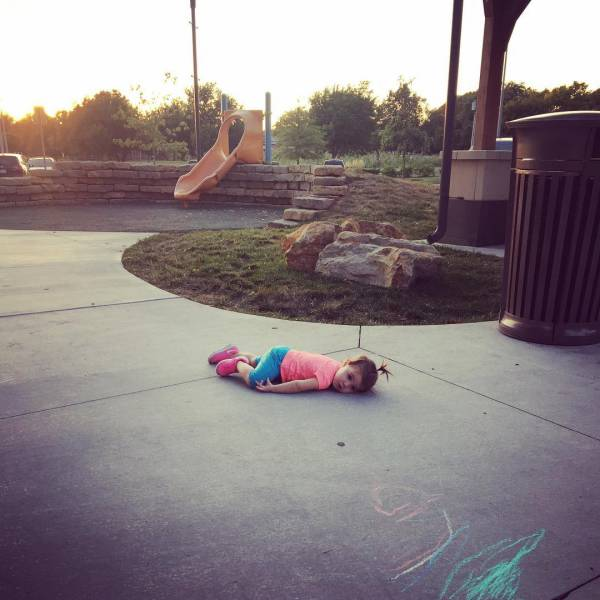 When Kids And Parents Just Can't Seem To Get Along (15 pics)