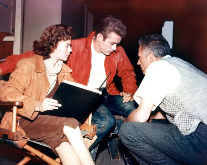 32 Rare Behind The Scenes Pictures From Famous Movies (32 pics)