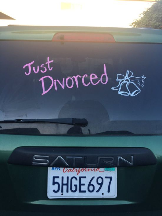 Parents Make Their Split Less Awkward By Throwing A Divorce Party (6 pics)