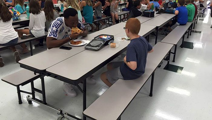 Wonderful Images That Will Restore Your Faith In Humanity In 2016 (20 pics)