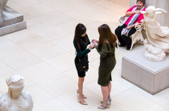 Bystander Has An Awesome Reaction To Watching Two Women Get Engaged (2 pics)