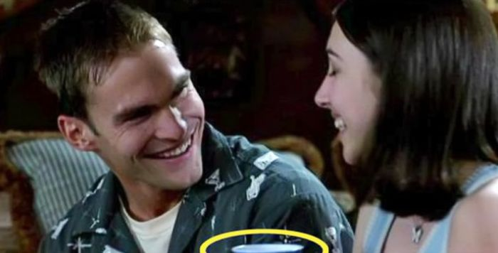 Big Time Movie Bloopers That You Never Noticed (12 pics)