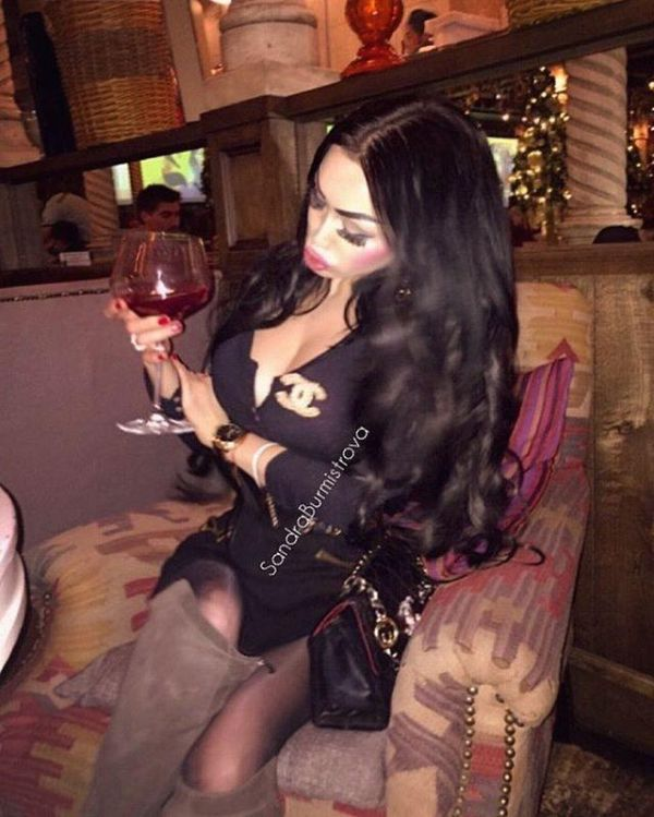 Russian Woman Is On The Hunt For A Sugar Daddy (22 pics)