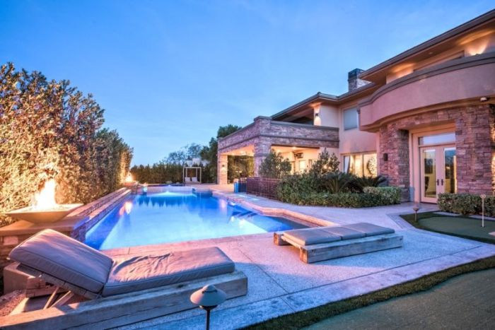 Dan Bilzerian's Las Vegas Bachelor Pad Is Now On The Market (28 pics)