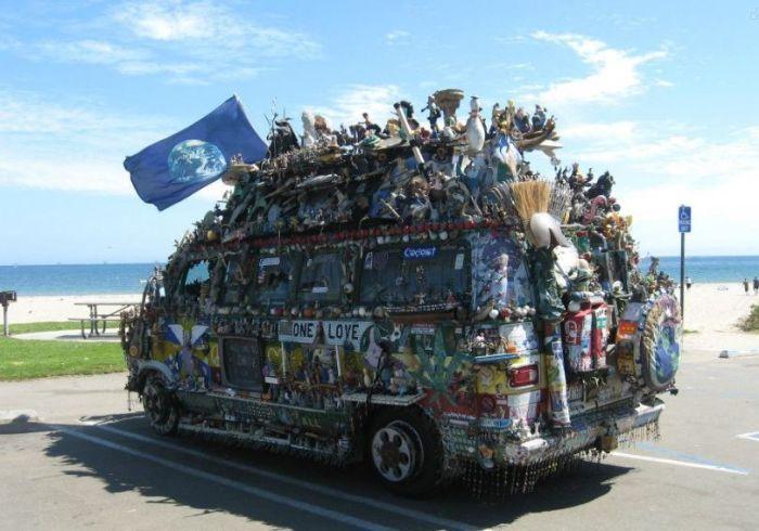 Jesus Loving Hippie Travels The World Showing Off His Van (7 pics)