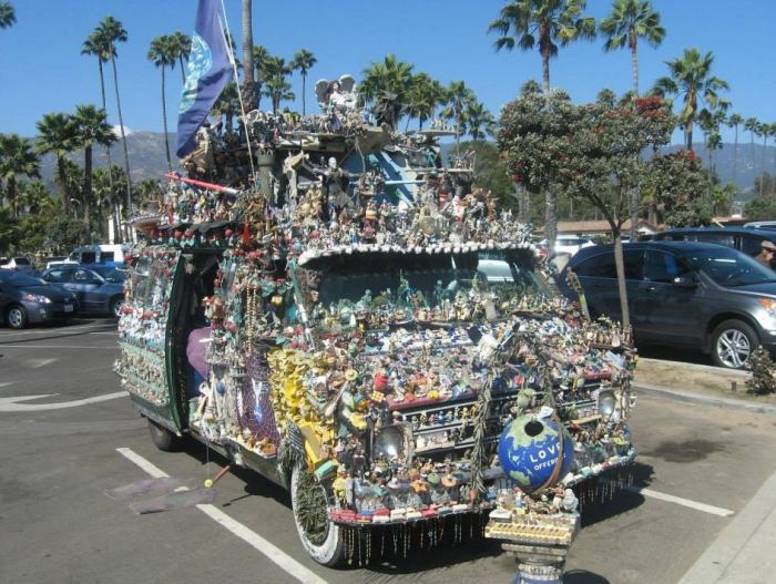 Jesus Loving Hippie Travels The World Showing Off His Van (7 pics)