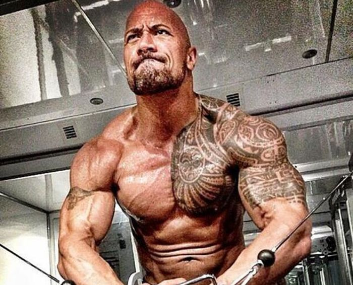 What Happens When You Train Like The Rock For A Month (3 pics)