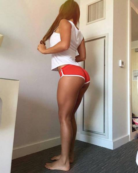 Sometimes Sexy Short Shorts Just Aren't Short Enough (34 pics)