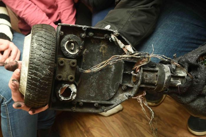 Family Flees Home After A Horrifying Hoverboard Explosion (5 pics)