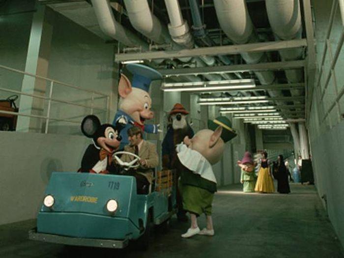 Former Worker Reveals Inside Secrets About Disney World (9 pics)
