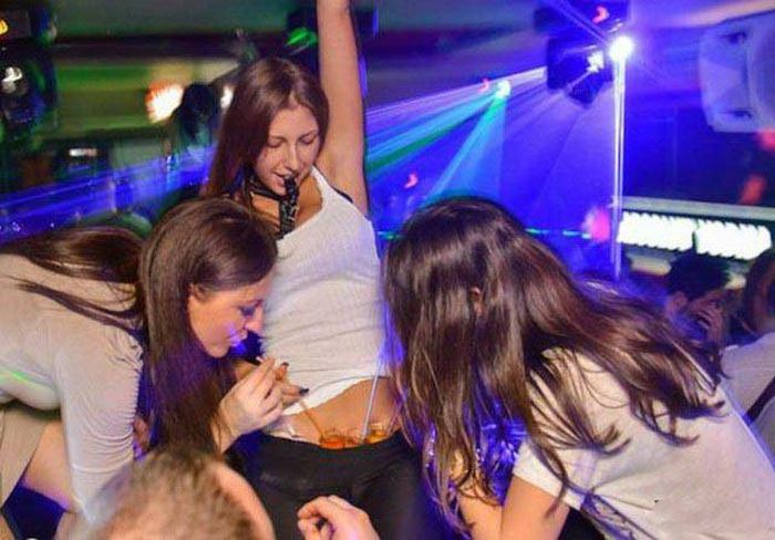 Every Man Needs A Party Girl In Their Life (36 pics)