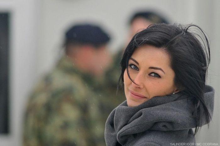 Hot Serbian Women Who Look Good In Uniform (35 pics)