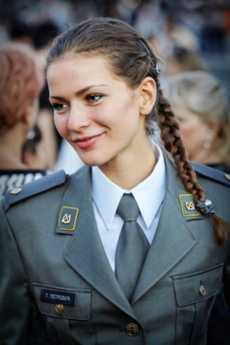 Hot Serbian Women Who Look Good In Uniform (35 pics)