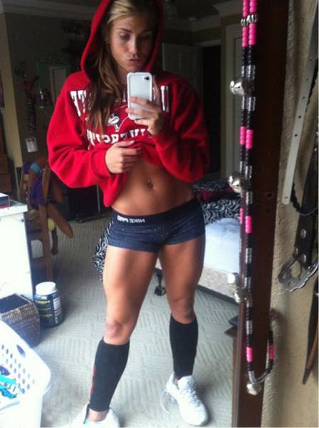 A Sexy Collection Of Lovely Ladies In Short Shorts (35 pics)