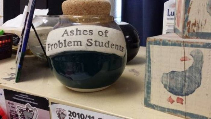 Teachers Who Went Above And Beyond The Traditional Limits Of Their Jobs (22 pics)