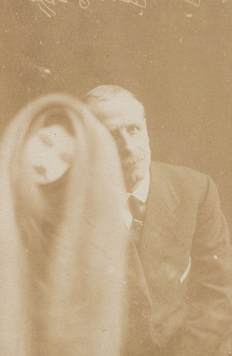 The First Ghosts Ever Caught On Camera (22 pics)
