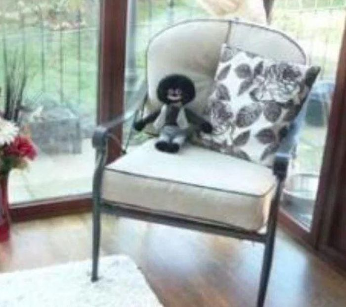 Woman Finds Racist Doll In Real Estate Listing (3 pics)
