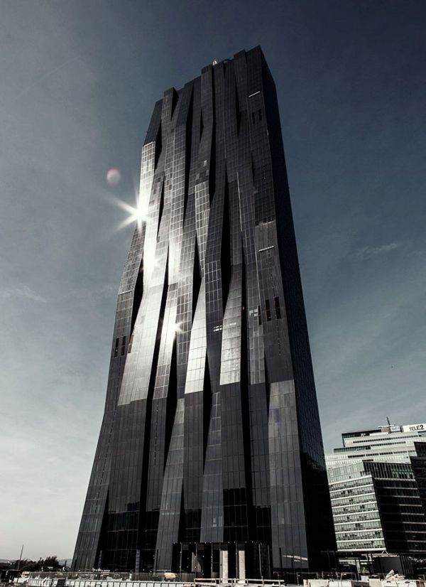 Evil Looking Buildings That Could Definitely Serve As A Supervillain Headquarters (30 pics)