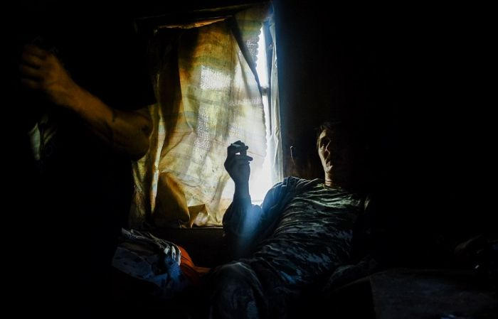 Eerie Photos Capture The Lives Of People Living In Russia's Dying Towns (17 pics)