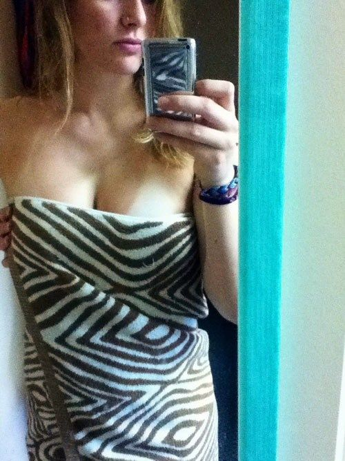 Hot Towel Selfies That Will Steam Up More Than Just Your Mirror (35 pics)