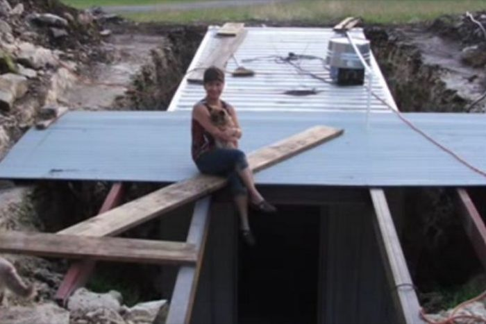 Man Turns A Container Into The Ultimate Storage Space (18 pics)