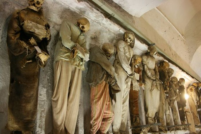 The 15 Creepiest And Most Terrifying Places On Earth (15 pics)